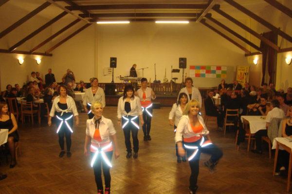 tanecni-skupina-lenky-sebove