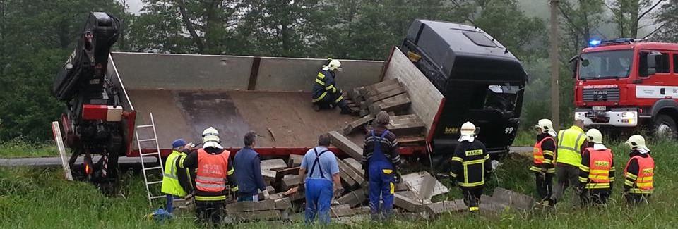 Havárie nákladního auta