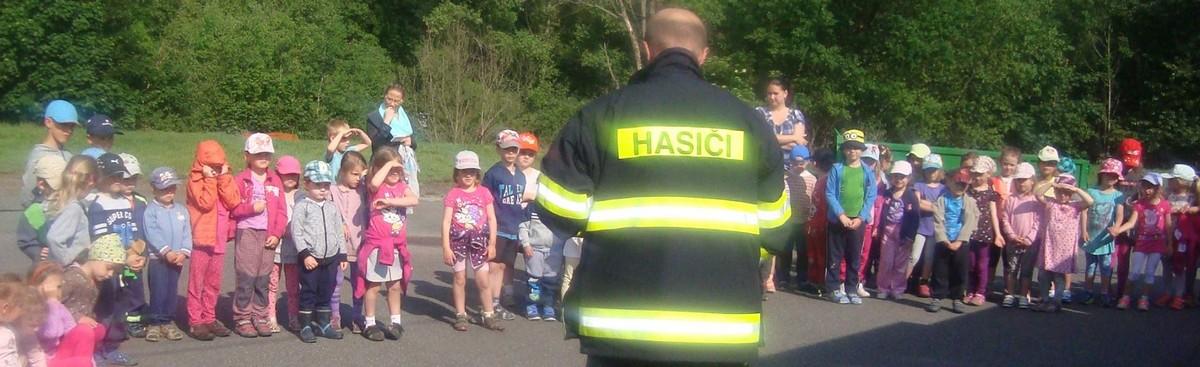 Oldřichovští hasiči v mníšecké školce