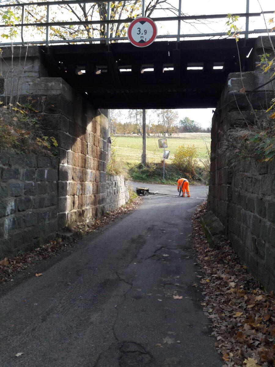 Omezení provozu u žel.viaduktu směrem na Pily – pokračování v úterý 29.10.2019